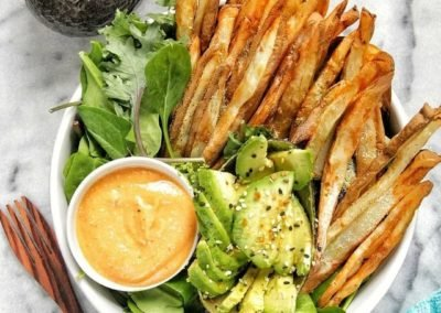 Crispy Oven-baked Fries with Nacho Cheese Sauce